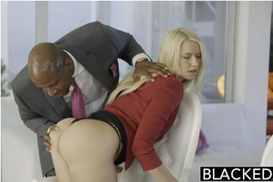 Annika Albrite - sex for a better position