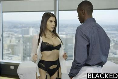 Interracial sex - Valentina Nappi